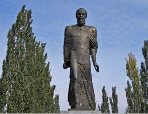 Памятник Ф.М. Достоевскому в Омске