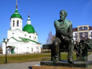 Памятник Ф.М. Достоевскому в Тобольске